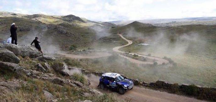 Artykuł: Dakar 2015: Awans Hołowczyca