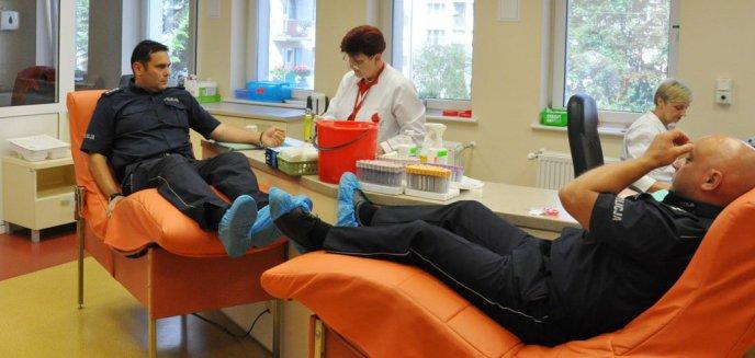Artykuł: Policjanci z Warmii i Mazur oddawali krew dla potrzebujących [ZDJĘCIA]