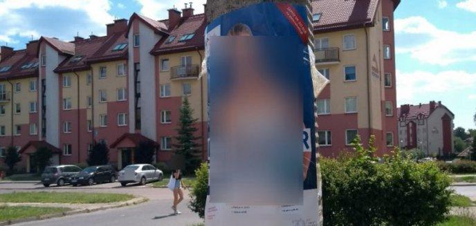 Artykuł: Obklejała słupy plakatami. Tłumaczyła, że wie, że to niezgodne z prawem