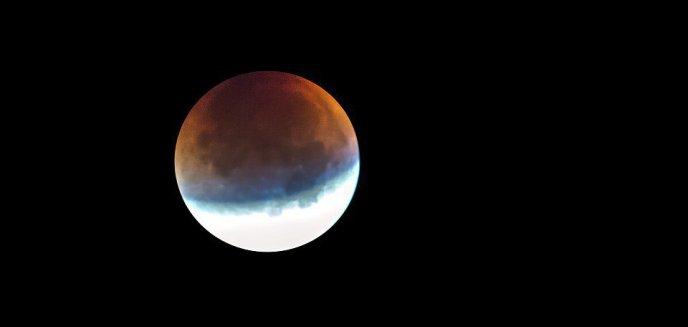 Artykuł: Najdłuższe od 100 lat całkowite zaćmienie Księżyca. Gdzie oglądać?