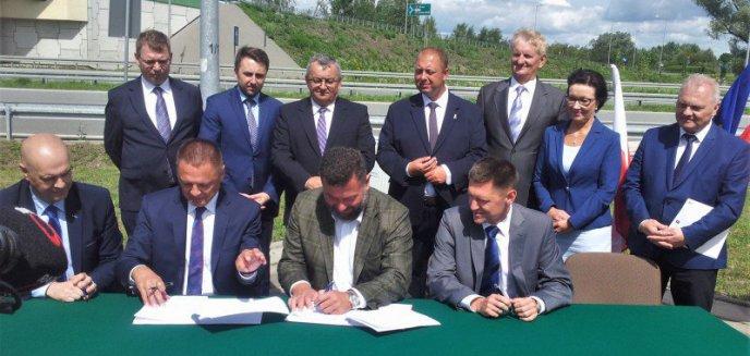Artykuł: Nowa droga  Szczuczyn – węzeł Ełk Południe. S61 na Warmii i Mazurach z kompletem umów