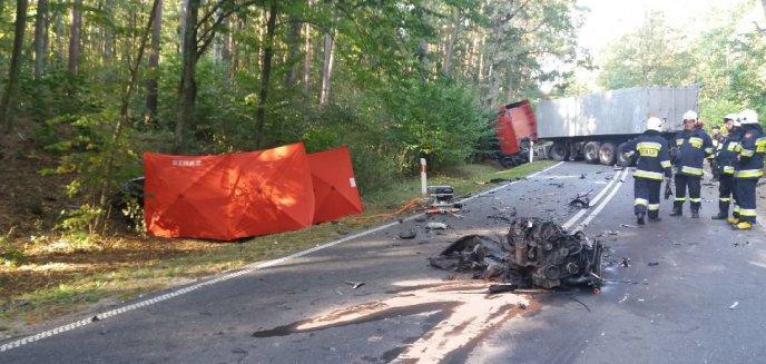 Artykuł: Tragiczny wypadek na drodze wojewódzkiej nr 541. Nie żyje jedna osoba