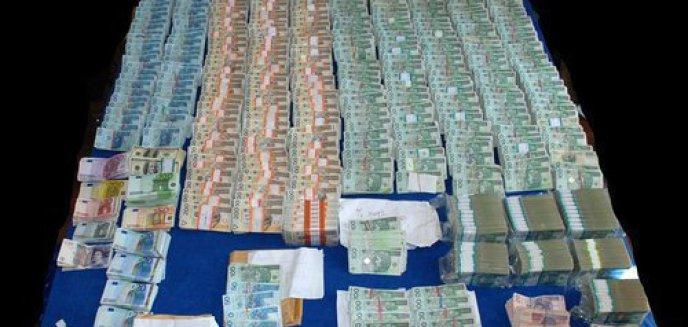 Artykuł: Wyłudzili VAT na ponad 23 mln złotych!