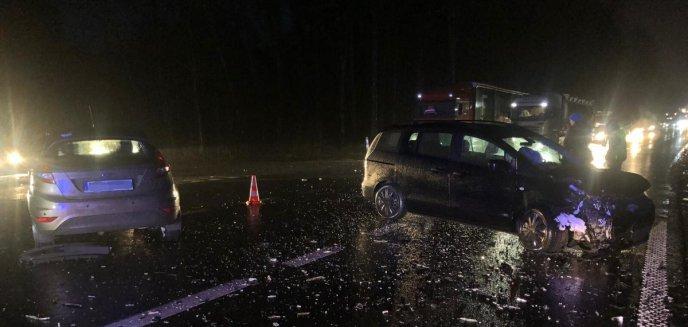 Artykuł: Groźny wypadek na DK51. Ranna kobieta trafiła do szpitala