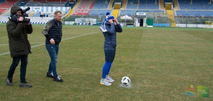 Artykuł: ''Turbokozak'' w Olsztynie. Na murawie olsztyńskiego stadionu – Joanna Jędrzejczyk