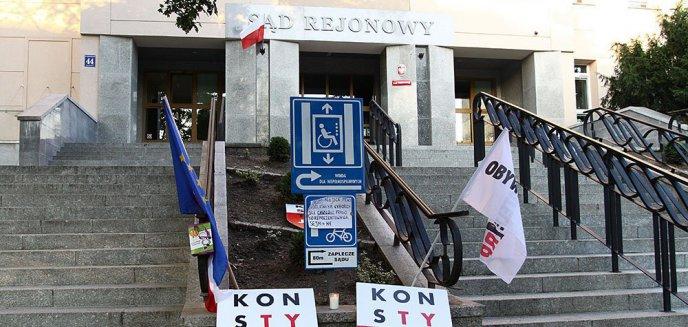 Kolejna manifestacja przed olsztyńskim Sądem Rejonowym