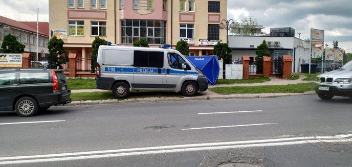 Artykuł: Tajemnicza śmierć 72-latka na chodniku na osiedlu Mazurskim