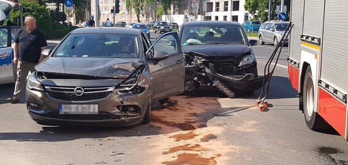 Artykuł: Pijany kierowca spowodował kolizję na ważnym skrzyżowaniu w Olsztynie [ZDJĘCIA, WIDEO]