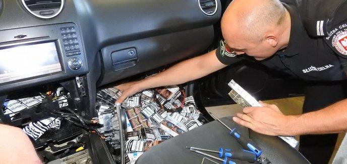 Artykuł: Papierosów nie miał tylko w kołach i drzwiach auta. Na granicy padł niechlubny rekord