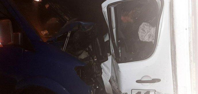 Artykuł: Poważna kolizja na ulicy Bałtyckiej. Zderzyły się dwa pojazdy należące do znanej piekarni [AKTUALIZACJA]