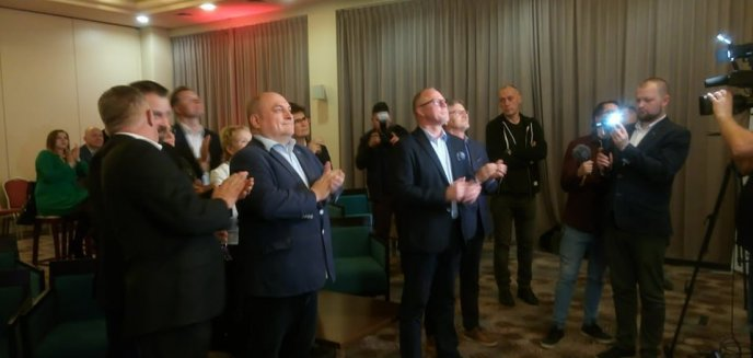 Miażdżąca przewaga PiS, ale nie w Olsztynie. Politycy komentują wyniki wyborów