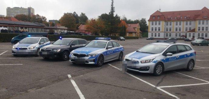 Artykuł: Nocne kontrole drogowe policji. Na 27 kierowców, 26 z nich ukarano mandatami