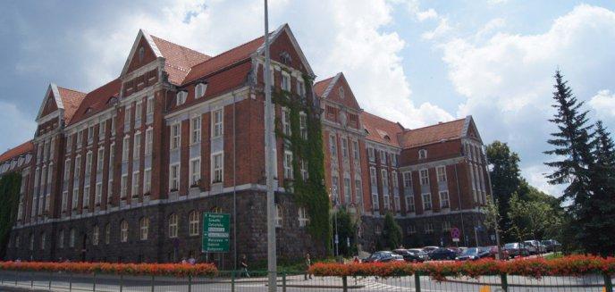 Artykuł: Przedstawiciele urzędu marszałkowskiego odpierają zarzuty ws. budowy sieci Internetu
