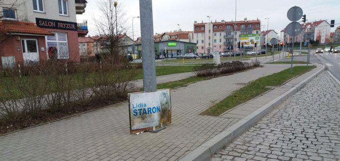 Wybory dawno za nami... a plakat senator nadal jest zawieszony na Jarotach