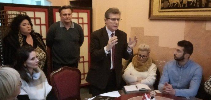 Artykuł: Myślą o referendum. Czy Piotr Grzymowicz zostanie odwołany z funkcji prezydenta?
