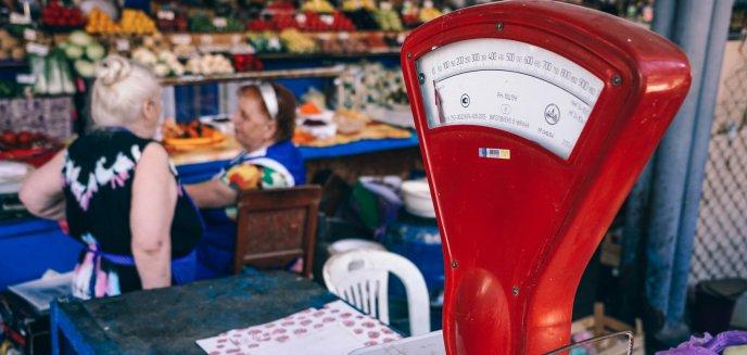 Artykuł: Upadek małych sklepów stał się faktem. Tylko w grudniu zniknęło ich aż 9,5 tys. Co jest tego przyczyną?