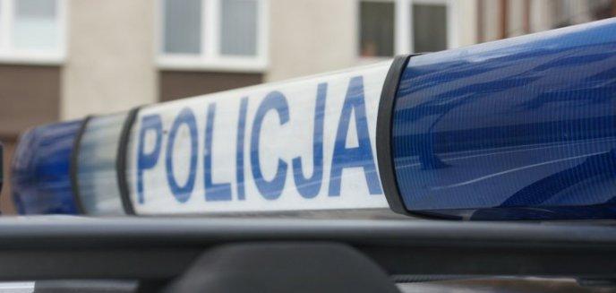Artykuł: Nieodpowiedzialny 64-latek jechał bez prawa jazdy. Dodatkowo złamał szereg przepisów