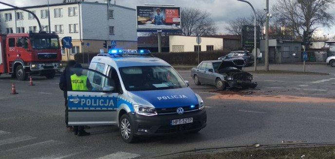 Artykuł: Uwaga, kierowcy! Na ul. Lubelskiej mercedes zderzył się z bmw