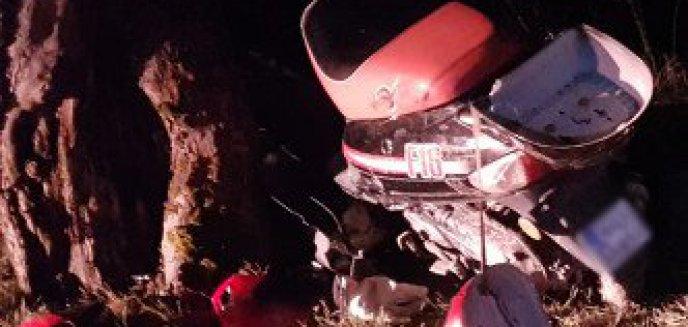 Motorowerem uderzył w drzewo. Mógł być pijany