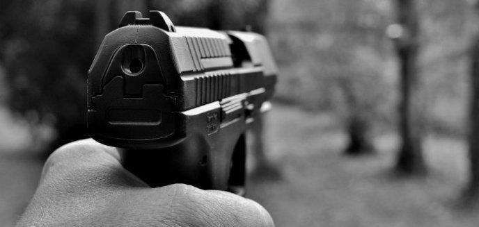 Artykuł: Śmiertelnie postrzelił ochroniarza w koszarach w Orzyszu. Jest wyrok sądu