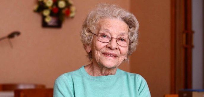 Artykuł: [WYWIAD] Jak przed 60 laty obchodzono Dzień Kobiet? Opowieści o rajstopach i goździkach