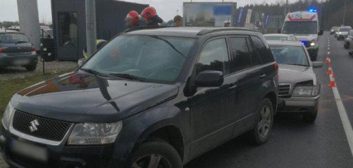Artykuł: Zderzenie trzech aut na ul. Sielskiej. Jedna osoba w szpitalu