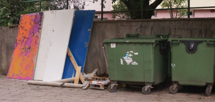 Artykuł: Wstrzymują odbiór odpadów wielkogabarytowych