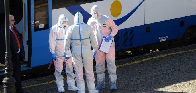 Giżycko. Pasażer z podejrzeniem koronawirusa w pociągu z Olsztyna wstrzymał ruch [ZDJĘCIA]
