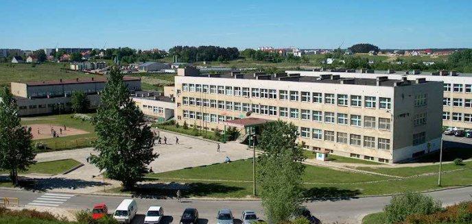 Artykuł: Systemy szkolne w Polsce nie wytrzymują obowiązku nauki zdalnej. Jak wygląda sytuacja w regionie?